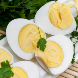 how to stop the sulphur smell in boiled eggs